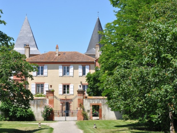 Chateau Riveneuve du Bosc, Pamiers France Wedding Venue Hire