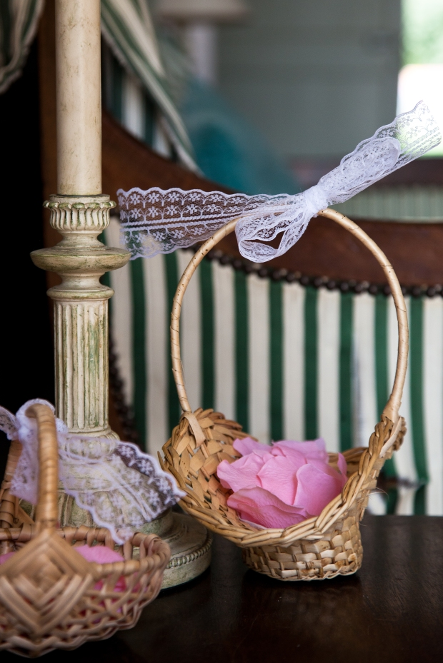 Flower Girl Petal Baskets. Shabby Chic Wedding. Pink and Lace.