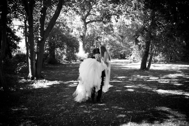 Bride Groom Photos Outdoor Wedding