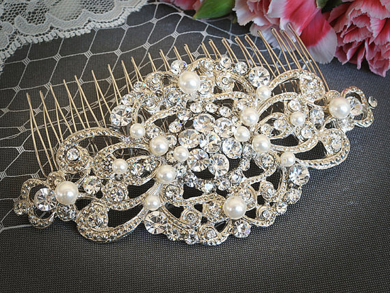 VILANA £50.04. Victorian swarovski pearls bridal hair comb.